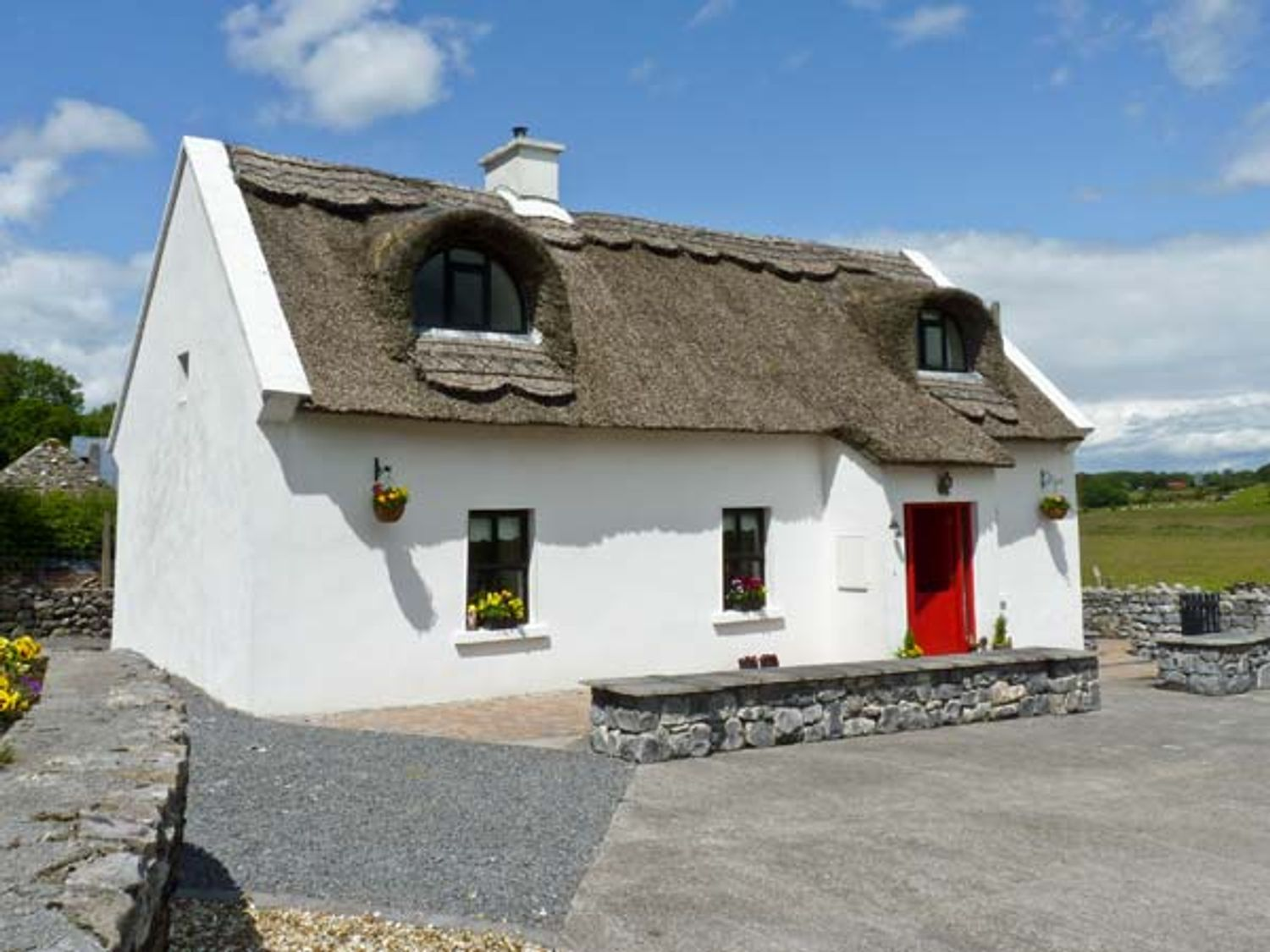 Ballyglass Thatched Cottage - North Wales - 10139 - photo 1