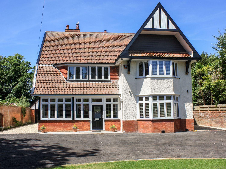 Greenlawns - Somerset & Wiltshire - 1031524 - photo 1
