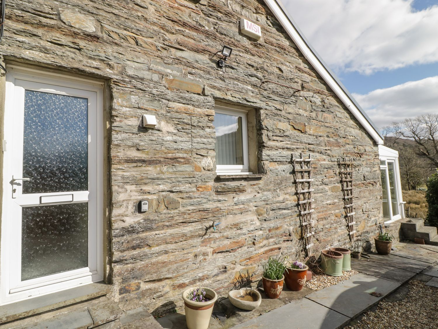 The Old Smithy Cottage - North Wales - 1067696 - photo 1
