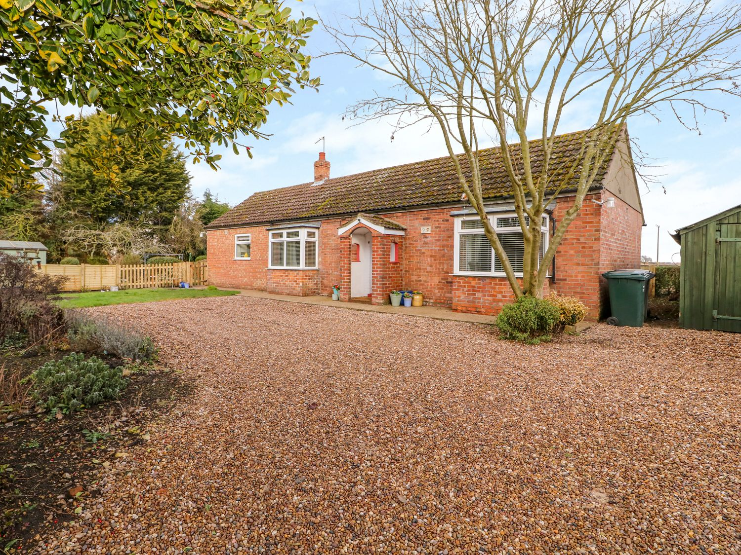 Roselle - Lincolnshire - 998908 - photo 1