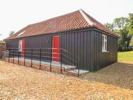 Sparrow Barn - Norfolk - 1000189 - thumbnail photo 1