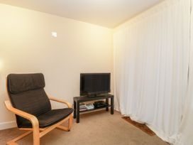 Apartment 7 - Dorset - 1002685 - thumbnail photo 3