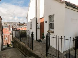Sunshine Cottage - Whitby & North Yorkshire - 1003472 - thumbnail photo 1