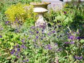 King Charles Cottage - Dorset - 1006503 - thumbnail photo 39