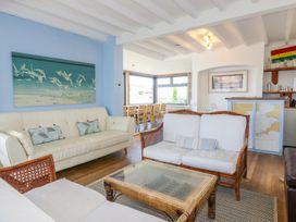 Blue Bay Beach House - Cornwall - 1007604 - thumbnail photo 6