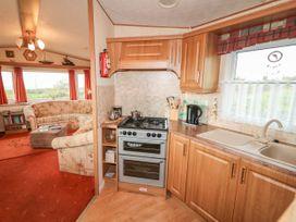 Alken Caravan - Antrim - 1008111 - thumbnail photo 9
