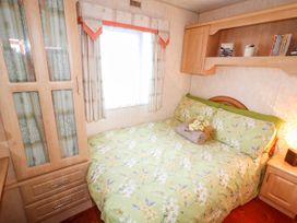 Alken Caravan - Antrim - 1008111 - thumbnail photo 11