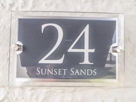 Sunset Sands - North Wales - 1011988 - thumbnail photo 3