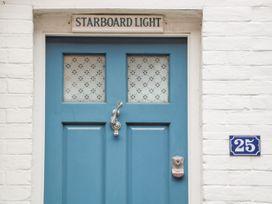 Starboard Light - South Coast England - 1012747 - thumbnail photo 2