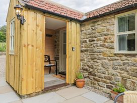 Baillie Close Cottage - Whitby & North Yorkshire - 1014417 - thumbnail photo 2