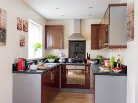 Sunny Corner Cottage - Whitby & North Yorkshire - 1015768 - thumbnail photo 2