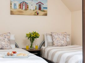Sunny Corner Cottage - Whitby & North Yorkshire - 1015768 - thumbnail photo 7