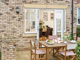 Sunny Corner Cottage - Whitby & North Yorkshire - 1015768 - thumbnail photo 13