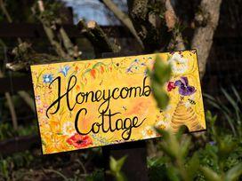 Honeycomb Cottage - Whitby & North Yorkshire - 1015788 - thumbnail photo 11