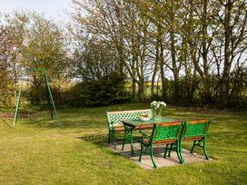 Honeycomb Cottage - Whitby & North Yorkshire - 1015788 - thumbnail photo 15