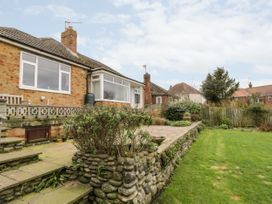 8 Mere View Avenue - Whitby & North Yorkshire - 1016901 - thumbnail photo 2