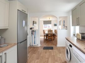 Crows Nest - Rhosneigr - Anglesey - 1017074 - thumbnail photo 16