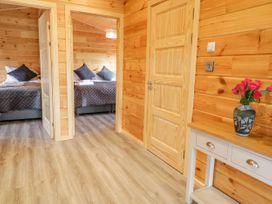Bryn Eiddon Log Cabin - Mid Wales - 1018963 - thumbnail photo 20