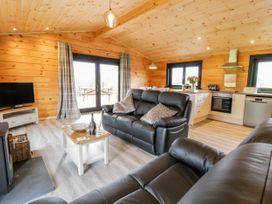 Bryn Eiddon Log Cabin - Mid Wales - 1018963 - thumbnail photo 8