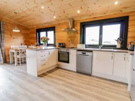 Bryn Eiddon Log Cabin - Mid Wales - 1018963 - thumbnail photo 15