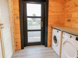 Bryn Eiddon Log Cabin - Mid Wales - 1018963 - thumbnail photo 19