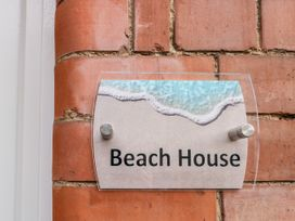 Beach House - Whitby & North Yorkshire - 1018990 - thumbnail photo 4