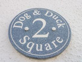 2 Dog & Duck Square - Whitby & North Yorkshire - 1020473 - thumbnail photo 2