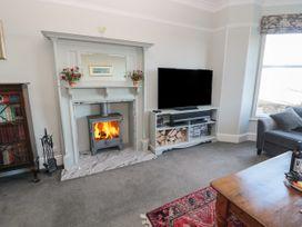 Whinstones at 4 The Villas - Northumberland - 1021325 - thumbnail photo 3