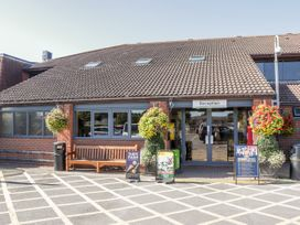 16 Amber Wood Lodge - South Coast England - 1021624 - thumbnail photo 26