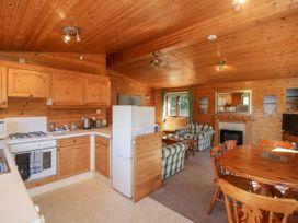 16 Amber Wood Lodge - South Coast England - 1021624 - thumbnail photo 7