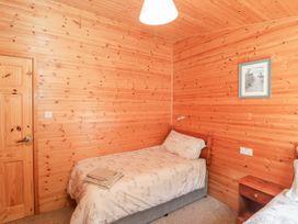 16 Amber Wood Lodge - South Coast England - 1021624 - thumbnail photo 17