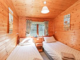 16 Amber Wood Lodge - South Coast England - 1021624 - thumbnail photo 18