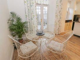 Garden Apartment - Scottish Lowlands - 1021628 - thumbnail photo 9