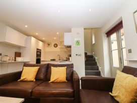 4 Loveday Mews - Cotswolds - 1022261 - thumbnail photo 5
