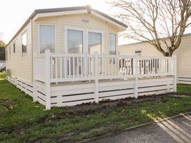 18D Shorefield Country Park - South Coast England - 1027351 - thumbnail photo 2