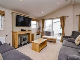 Lodge BR56 at Pevensey Bay - Kent & Sussex - 1043960 - thumbnail photo 3
