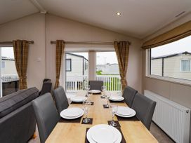 Lodge BR56 at Pevensey Bay - Kent & Sussex - 1043960 - thumbnail photo 4
