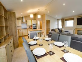 Lodge BR56 at Pevensey Bay - Kent & Sussex - 1043960 - thumbnail photo 7