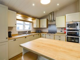 Lodge BR56 at Pevensey Bay - Kent & Sussex - 1043960 - thumbnail photo 9