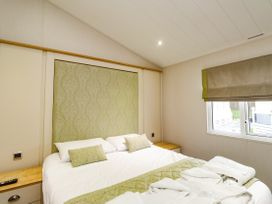Lodge BR56 at Pevensey Bay - Kent & Sussex - 1043960 - thumbnail photo 12