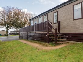 Lodge 69 at Riviera Bay - Devon - 1044084 - thumbnail photo 3