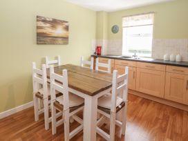 12 Llys Rhostrefor - Anglesey - 1044884 - thumbnail photo 8