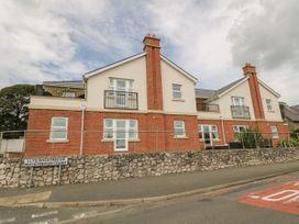 12 Llys Rhostrefor - Anglesey - 1044884 - thumbnail photo 1