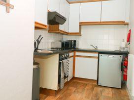 George Centre Apartment 3 - Peak District - 1047256 - thumbnail photo 6
