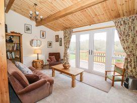 Brookside Lodge - Cotswolds - 1048507 - thumbnail photo 3