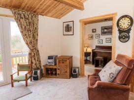 Brookside Lodge - Cotswolds - 1048507 - thumbnail photo 4