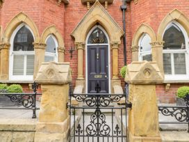 39 West Street - Whitby & North Yorkshire - 1049697 - thumbnail photo 2