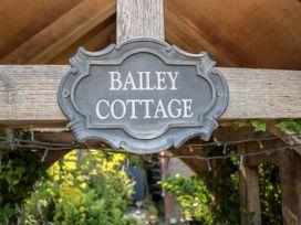 Bailey Cottage - South Coast England - 1050060 - thumbnail photo 45