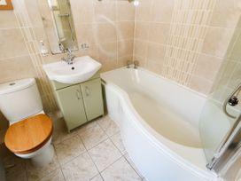 26 Bargate - Whitby & North Yorkshire - 1050415 - thumbnail photo 25