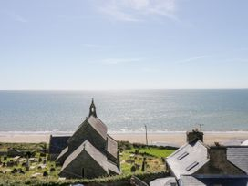 The Lookout - North Wales - 1050514 - thumbnail photo 27